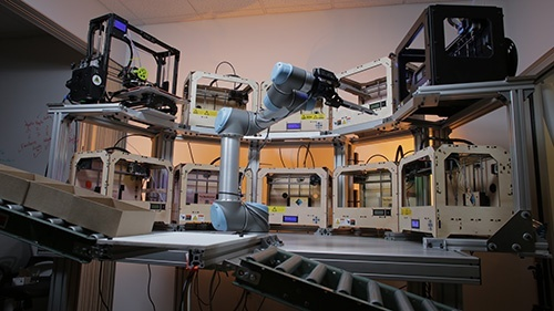 UR Taking-the-plunge-to-Cloud-Robotics-with-Universal-Robots+2.jpg
